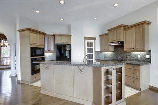 Photo 3: 43 ROCKYLEDGE Rise NW in Calgary: Rocky Ridge Detached for sale : MLS®# C4302946