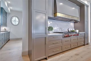 Photo 11: 2420 CARLETON Street SW in Calgary: Upper Mount Royal Detached for sale : MLS®# C4303455