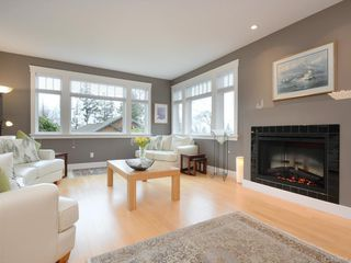Photo 3: 1705 Texada Terr in North Saanich: NS Dean Park House for sale : MLS®# 838598