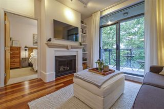 "Photo 3: 301 2688 VINE Street in Vancouver: Kitsilano Condo for sale in ""TREO"" (Vancouver West)  : MLS®# R2494225"