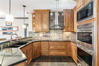 Photo 3: 103 6 HEMLOCK Crescent SW in Calgary: Spruce Cliff Apartment for sale : MLS®# A1054941