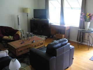 Photo 2: 11923 46 Street in Edmonton: Zone 23 House for sale : MLS®# E4168552