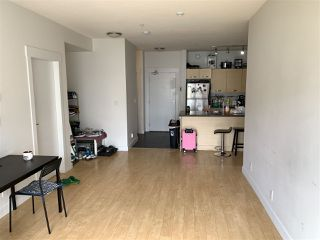 "Photo 10: 318 33539 HOLLAND Avenue in Abbotsford: Central Abbotsford Condo for sale in ""THE CROSSING"" : MLS®# R2405813"