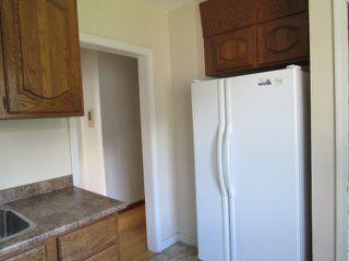 Photo 3: 11230 104 Street in Edmonton: House for rent