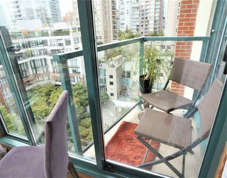 "Photo 7: 1109 939 HOMER Street in Vancouver: Yaletown Condo for sale in ""PINNACLE"" (Vancouver West)  : MLS®# R2417847"