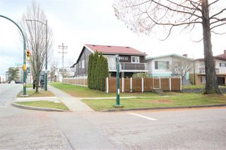 "Main Photo: 5704 KERR Street in Vancouver: Killarney VE House for sale in ""Killarney"" (Vancouver East)  : MLS®# R2441755"