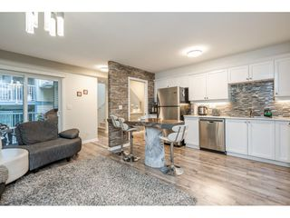 """Photo 3: 31 241 PARKSIDE Drive in Port Moody: Heritage Mountain Townhouse for sale in """"PINEHURST"""" : MLS®# R2457042"""