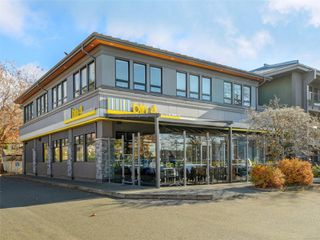 Photo 21: 107 935 Cloverdale Ave in : SE Quadra Condo for sale (Saanich East)  : MLS®# 853912