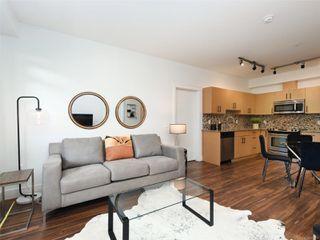 Photo 3: 107 935 Cloverdale Ave in : SE Quadra Condo for sale (Saanich East)  : MLS®# 853912