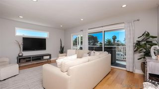 Photo 5: PACIFIC BEACH House for sale : 2 bedrooms : 1018 Beryl St in San Diego