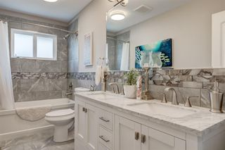Photo 11: 82 Hallbrook Drive SW in Calgary: Haysboro Detached for sale : MLS®# A1042399