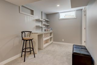 Photo 17: 82 Hallbrook Drive SW in Calgary: Haysboro Detached for sale : MLS®# A1042399