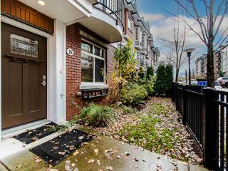 """Photo 3: 76 8068 207 Street in Langley: Willoughby Heights Townhouse for sale in """"YORKSON CREEK SOUTH"""" : MLS®# R2517113"""