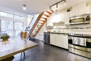 """Photo 2: 401 7418 BYRNEPARK Walk in Burnaby: South Slope Condo for sale in """"GREEN"""" (Burnaby South)  : MLS®# R2519549"""