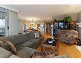 Photo 3: 901 5850 BALSAM Street in Vancouver West: Home for sale : MLS®# V810332