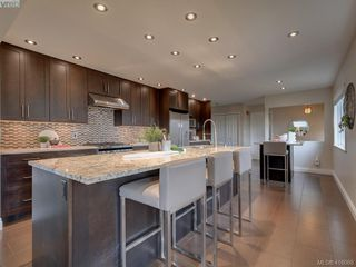 Photo 2: 4890 Sea Ridge Drive in VICTORIA: SE Cordova Bay Single Family Detached for sale (Saanich East)  : MLS®# 416068