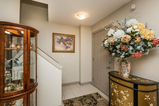 Photo 2: 27 1150 Windemere Way in Edmonton: Zone 56 Townhouse for sale : MLS®# E4191738