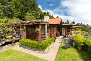 Photo 3: 420 STEWART Road in Gibsons: Gibsons & Area House for sale (Sunshine Coast)  : MLS®# R2481738