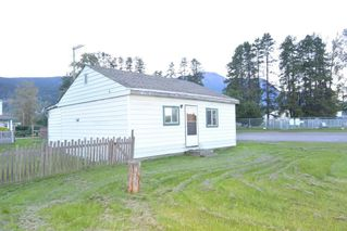"Photo 1: 4091 W 16 Highway in Smithers: Smithers - Town House for sale in ""Heritage Park Area"" (Smithers And Area (Zone 54))  : MLS®# R2497302"