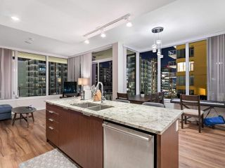 Photo 4: 1107 8628 HAZELBRIDGE Way in Richmond: West Cambie Condo for sale : MLS®# R2516316