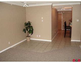 "Photo 2: 14820 104TH Ave in Surrey: Guildford Condo for sale in ""Camelot"" (North Surrey)  : MLS®# F2622479"