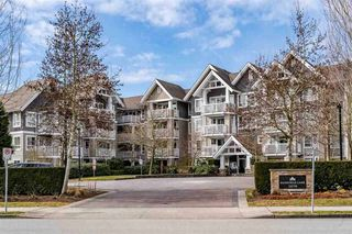 "Photo 1: 403 20750 DUNCAN Way in Langley: Langley City Condo for sale in ""Fairfield Lane"" : MLS®# R2428188"