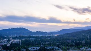 """Photo 3: 4202 3080 LINCOLN Avenue in Coquitlam: North Coquitlam Condo for sale in """"1123 WESTWOOD"""" : MLS®# R2456855"""