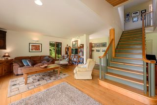 Photo 3: 2832 Lanyon Rd in : CV Courtenay West Single Family Detached for sale (Comox Valley)  : MLS®# 850339