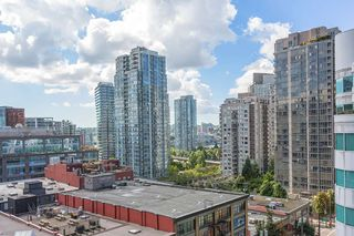 "Photo 4: 907 821 CAMBIE Street in Vancouver: Downtown VW Condo for sale in ""Raffles on Robson"" (Vancouver West)  : MLS®# R2491282"