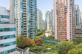 "Photo 1: 907 821 CAMBIE Street in Vancouver: Downtown VW Condo for sale in ""Raffles on Robson"" (Vancouver West)  : MLS®# R2491282"