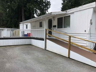 """Photo 1: 62 21163 LOUGHEED Highway in Maple Ridge: Southwest Maple Ridge Manufactured Home for sale in """"VAL MARIA"""" : MLS®# R2504195"""
