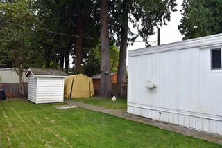 """Photo 3: 62 21163 LOUGHEED Highway in Maple Ridge: Southwest Maple Ridge Manufactured Home for sale in """"VAL MARIA"""" : MLS®# R2504195"""