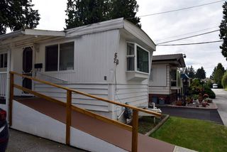 """Photo 8: 62 21163 LOUGHEED Highway in Maple Ridge: Southwest Maple Ridge Manufactured Home for sale in """"VAL MARIA"""" : MLS®# R2504195"""