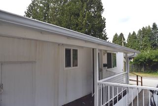 """Photo 10: 62 21163 LOUGHEED Highway in Maple Ridge: Southwest Maple Ridge Manufactured Home for sale in """"VAL MARIA"""" : MLS®# R2504195"""