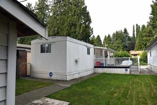 """Photo 5: 62 21163 LOUGHEED Highway in Maple Ridge: Southwest Maple Ridge Manufactured Home for sale in """"VAL MARIA"""" : MLS®# R2504195"""
