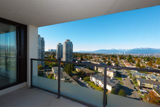 "Photo 4: 2201 7325 ARCOLA Street in Burnaby: Highgate Condo for sale in ""ESPRIT 2"" (Burnaby South)  : MLS®# R2522459"