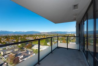 "Photo 5: 2201 7325 ARCOLA Street in Burnaby: Highgate Condo for sale in ""ESPRIT 2"" (Burnaby South)  : MLS®# R2522459"