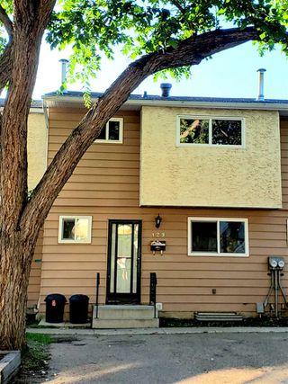 Photo 1: 129 HABITAT Crescent in Edmonton: Zone 35 Townhouse for sale : MLS®# E4167381