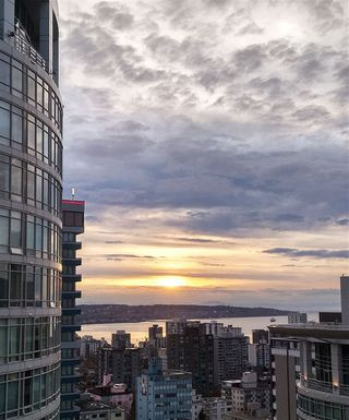 """Photo 6: 2805 1200 W GEORGIA Street in Vancouver: West End VW Condo for sale in """"RESIDENCES ON GEORGIA"""" (Vancouver West)  : MLS®# R2412352"""