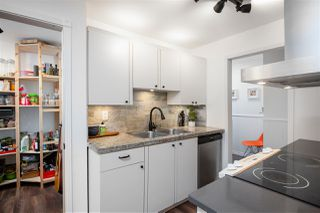 """Photo 10: 106 240 MAHON Avenue in North Vancouver: Lower Lonsdale Condo for sale in """"SEADALE PLACE"""" : MLS®# R2427170"""