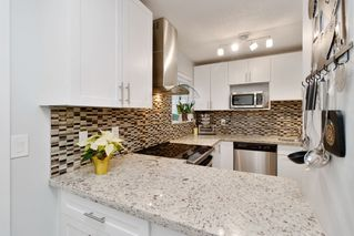 Photo 2: 11 3384 COAST MERIDIAN Road in Port Coquitlam: Lincoln Park PQ Townhouse for sale : MLS®# R2442625