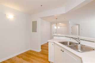"""Photo 11: 102 20125 55A Avenue in Langley: Langley City Condo for sale in """"BLACKBERRY LANE II"""" : MLS®# R2481184"""
