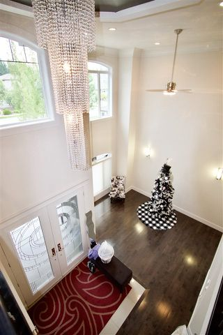 Photo 2: 331 CALDWELL Close in Edmonton: Zone 20 House for sale : MLS®# E4169046