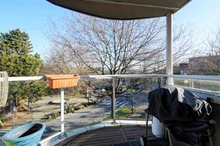 "Photo 15: 302 908 W 7TH Avenue in Vancouver: Fairview VW Condo for sale in ""Laurel Bridge"" (Vancouver West)  : MLS®# R2439600"
