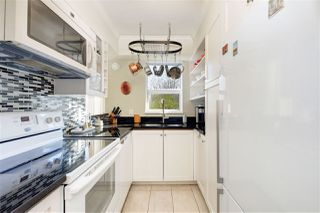 "Photo 10: 302 908 W 7TH Avenue in Vancouver: Fairview VW Condo for sale in ""Laurel Bridge"" (Vancouver West)  : MLS®# R2439600"