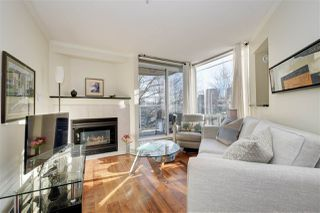 "Photo 2: 302 908 W 7TH Avenue in Vancouver: Fairview VW Condo for sale in ""Laurel Bridge"" (Vancouver West)  : MLS®# R2439600"
