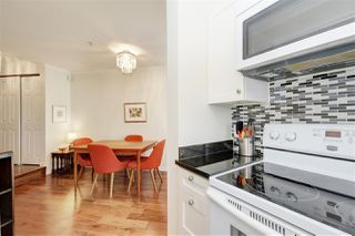 "Photo 11: 302 908 W 7TH Avenue in Vancouver: Fairview VW Condo for sale in ""Laurel Bridge"" (Vancouver West)  : MLS®# R2439600"