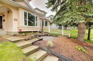 Photo 3: 231 COACHWAY Road SW in Calgary: Coach Hill Detached for sale : MLS®# C4305633
