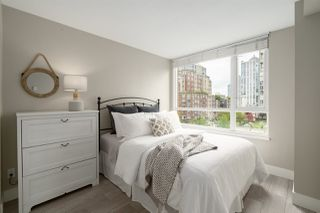 "Photo 18: 409 1188 RICHARDS Street in Vancouver: Yaletown Condo for sale in ""Park Plaza"" (Vancouver West)  : MLS®# R2475181"