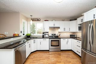 Photo 3: 548 Hoffman Ave in : La Mill Hill House for sale (Langford)  : MLS®# 858344